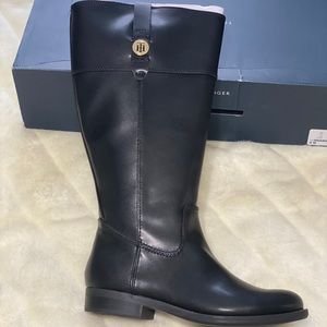 NWT TOMMY HILFIGURE BOOTS!